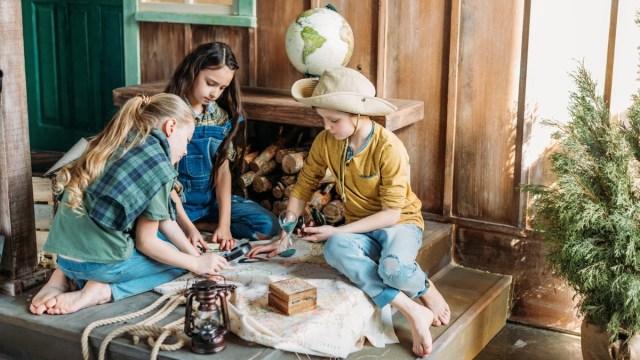 10 pistas de caça ao tesouro para manter o cérebro das crianças ocupado