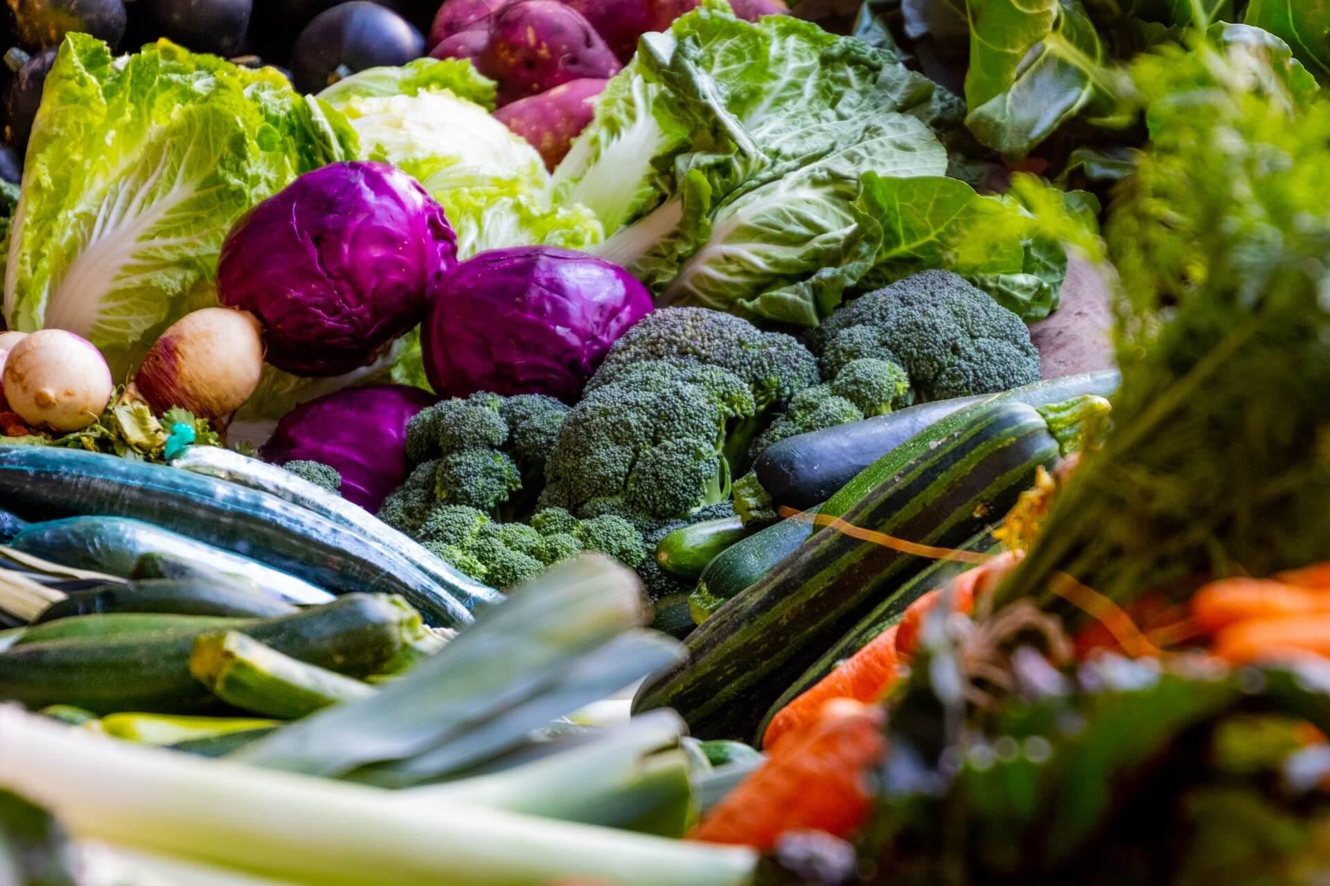 Salada de brócolis e couve-flor